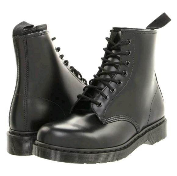 08cccfab756 BNIB Men s Dr. Martens 1460 Mono 8 Eye Boots